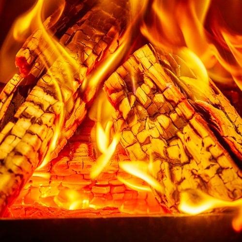 Waarom krijg ik geen mooi vuur in mijn houthaard?